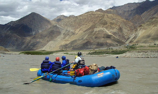 Rafting-on-Indus-at-Phey